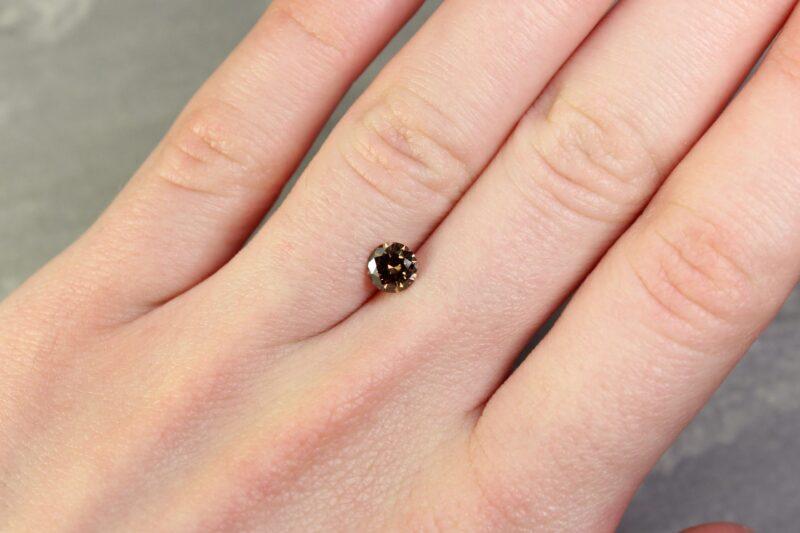 0.60 ct brown round diamond