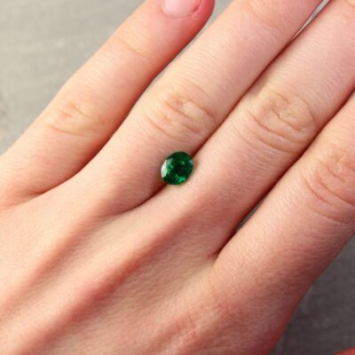 0.95 ct bluish green oval emerald