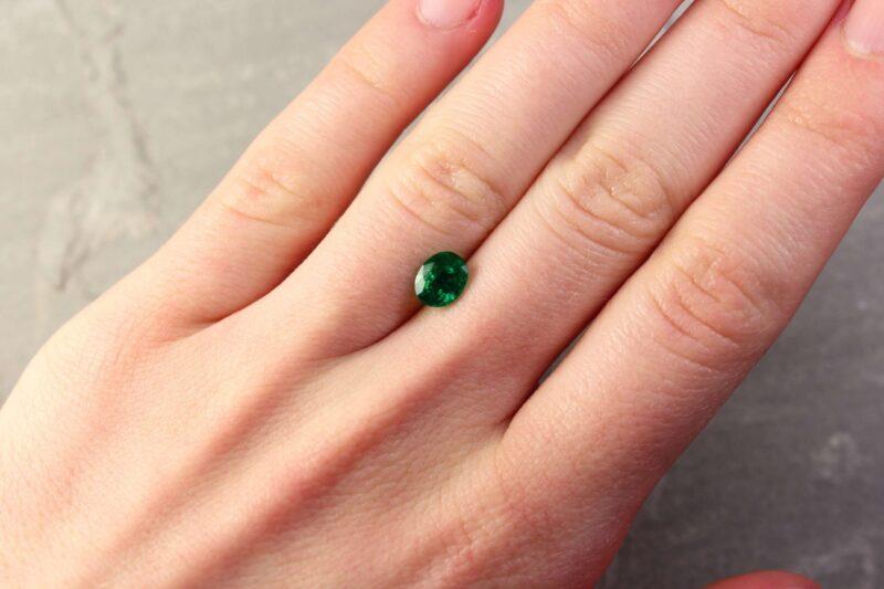0.95 ct bluish green oval emerald