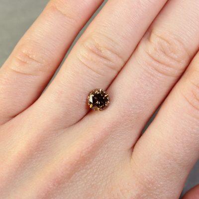 1.35 ct brown round diamond
