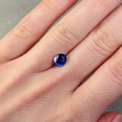 1.63 ct oval blue sapphire
