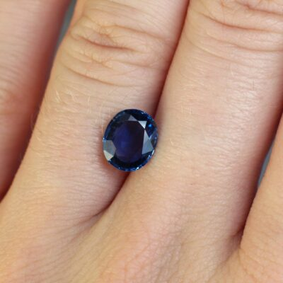1.87 ct violetish blue oval sapphire