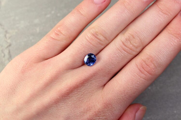 2.26 ct violetish blue oval sapphire