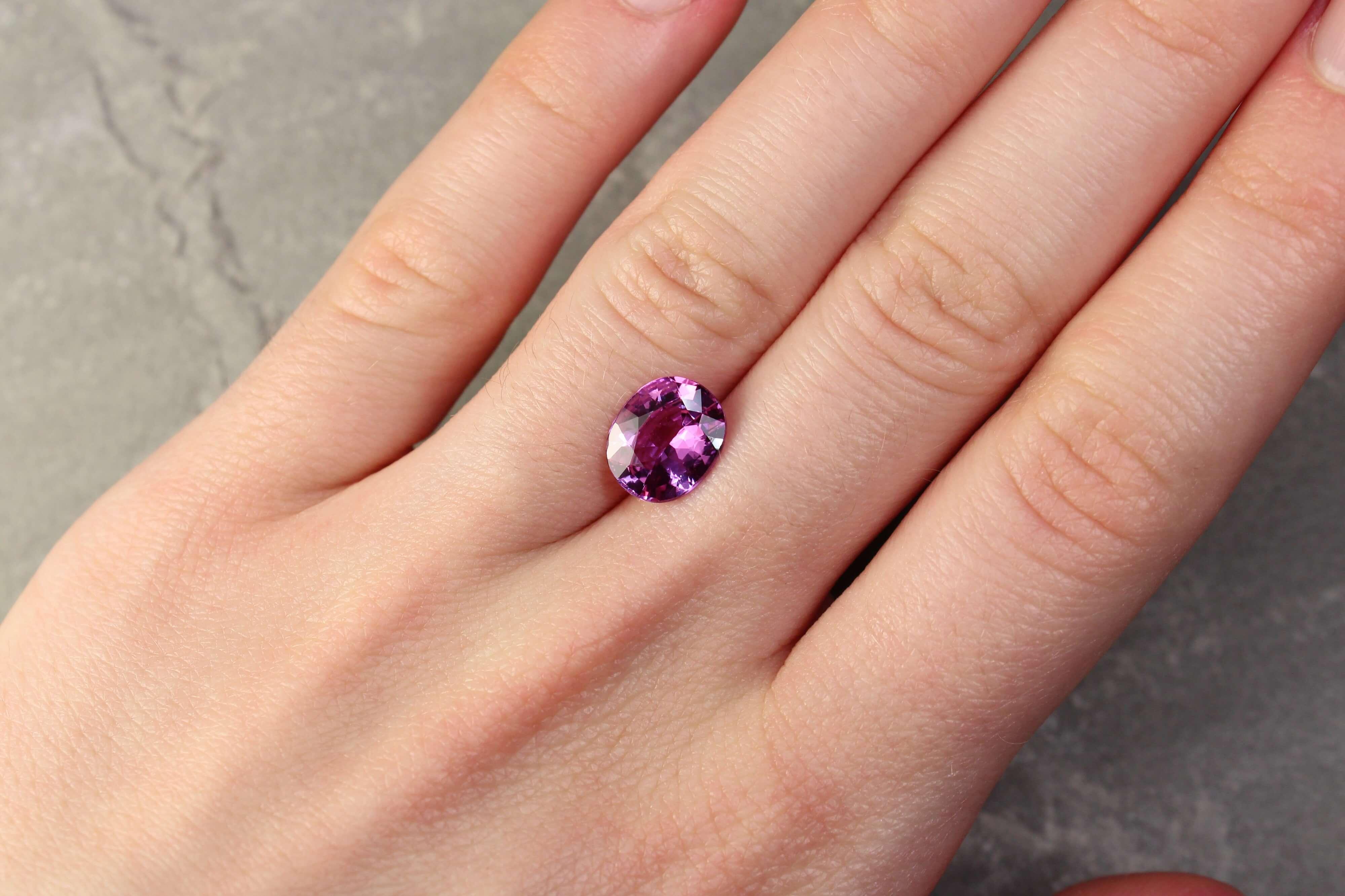 3.60 ct purplish pink oval sapphire
