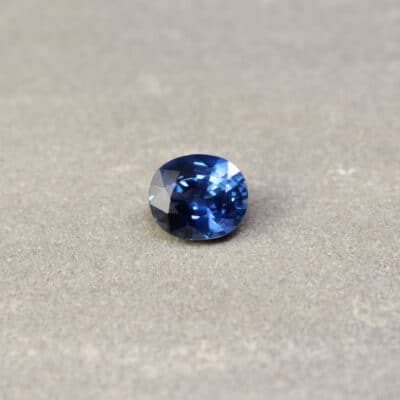 3.05 ct violetish blue oval sapphire