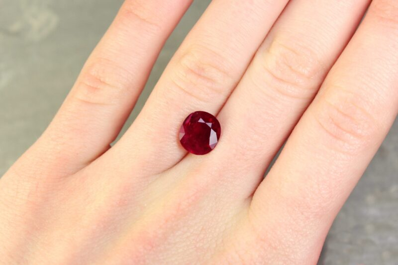 3.16 ct red oval ruby
