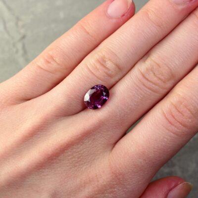 4.06 ct purplish pink oval sapphire