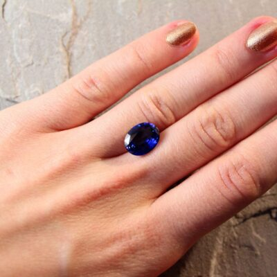 5.30 ct royal blue oval sapphire