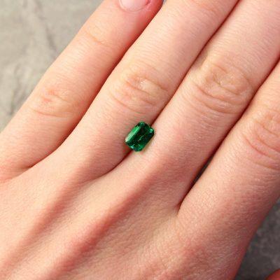 0.87 ct bluish green octagon emerald