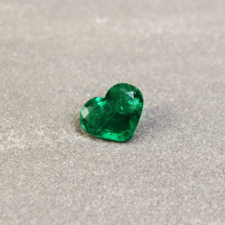 1.54 ct bluish green heart shape emerald