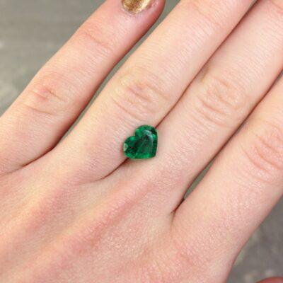 1.54 ct bluish green heart shape emerald