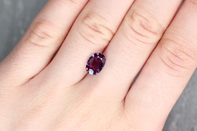 2.53 ct purple oval sapphire