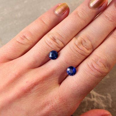 2.73 ct blue round sapphire pair