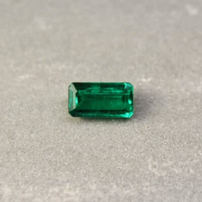 2.93 emerald cut green emerald