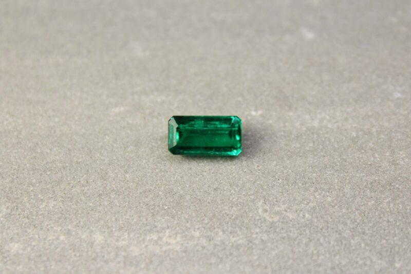 2.93 emerald cut green emerald