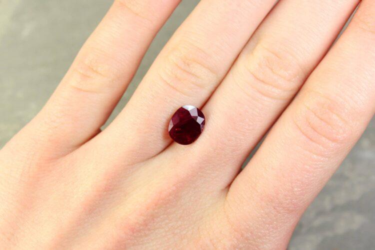 3.24 ct purplish red oval ruby