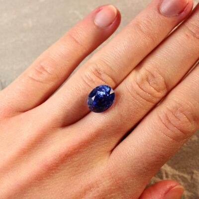 7.10 ct blue oval sapphire