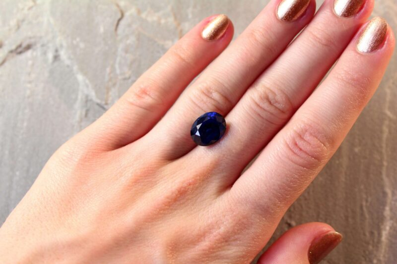 7.74 ct royal blue oval sapphire