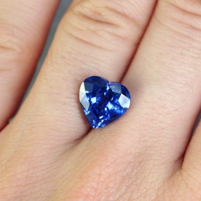 4.47 ct blue heart sapphire