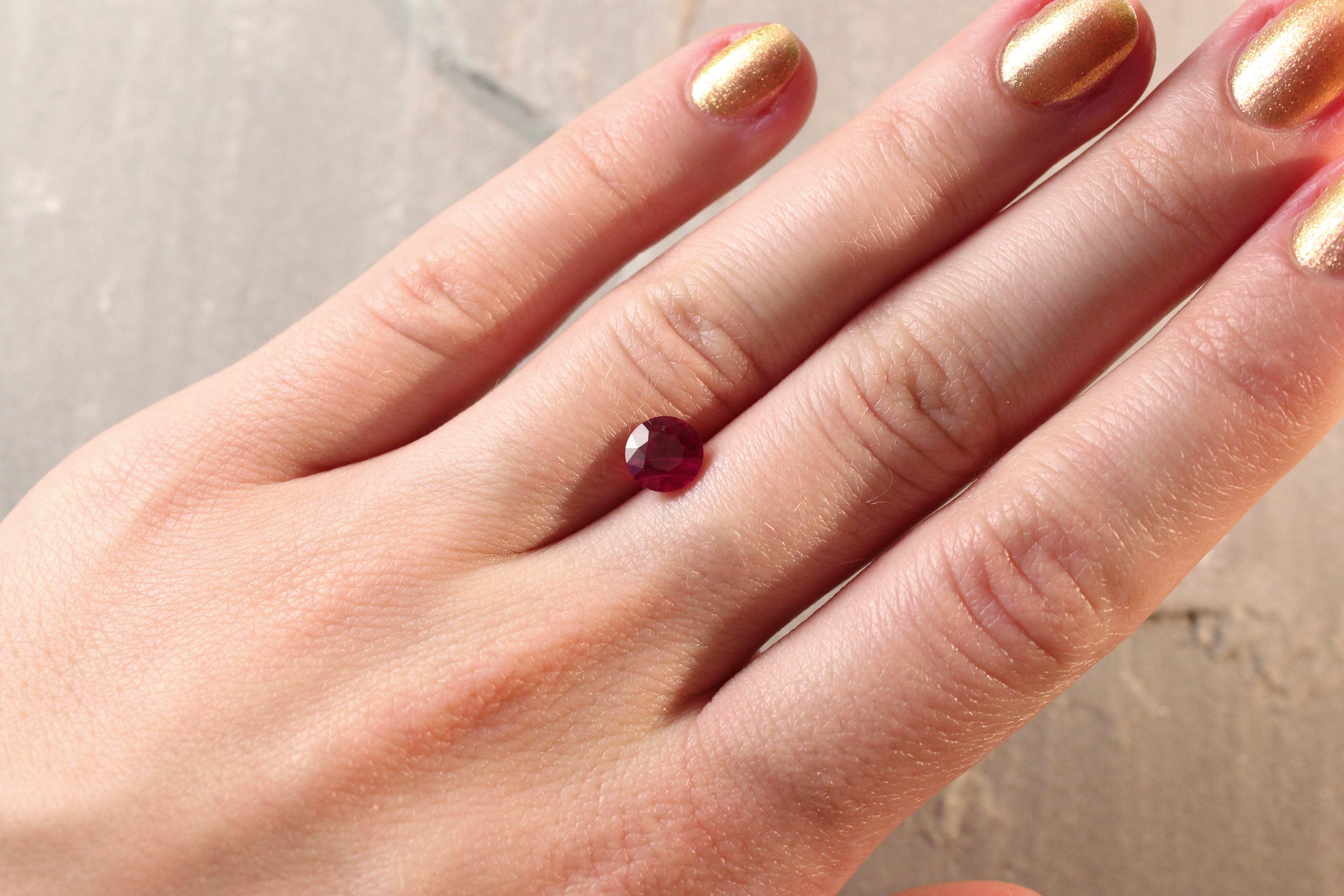 1.33 ct red round ruby