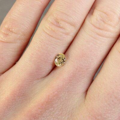 0.72 ct yellow oval diamond