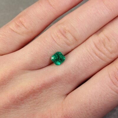 0.98 ct green octagon emerald