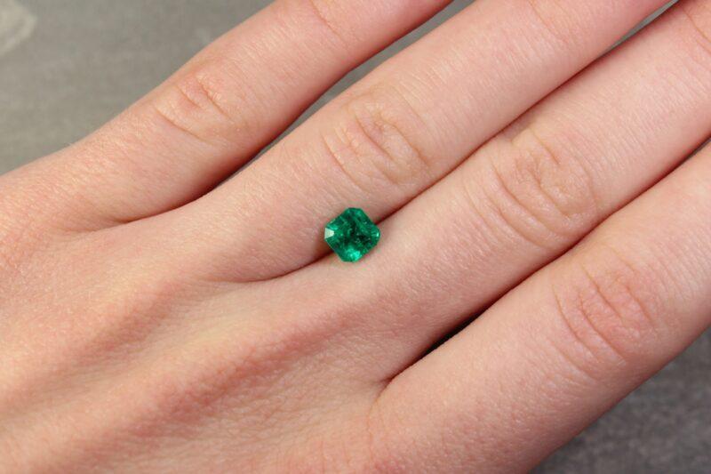 0.98 ct green octagon emerald