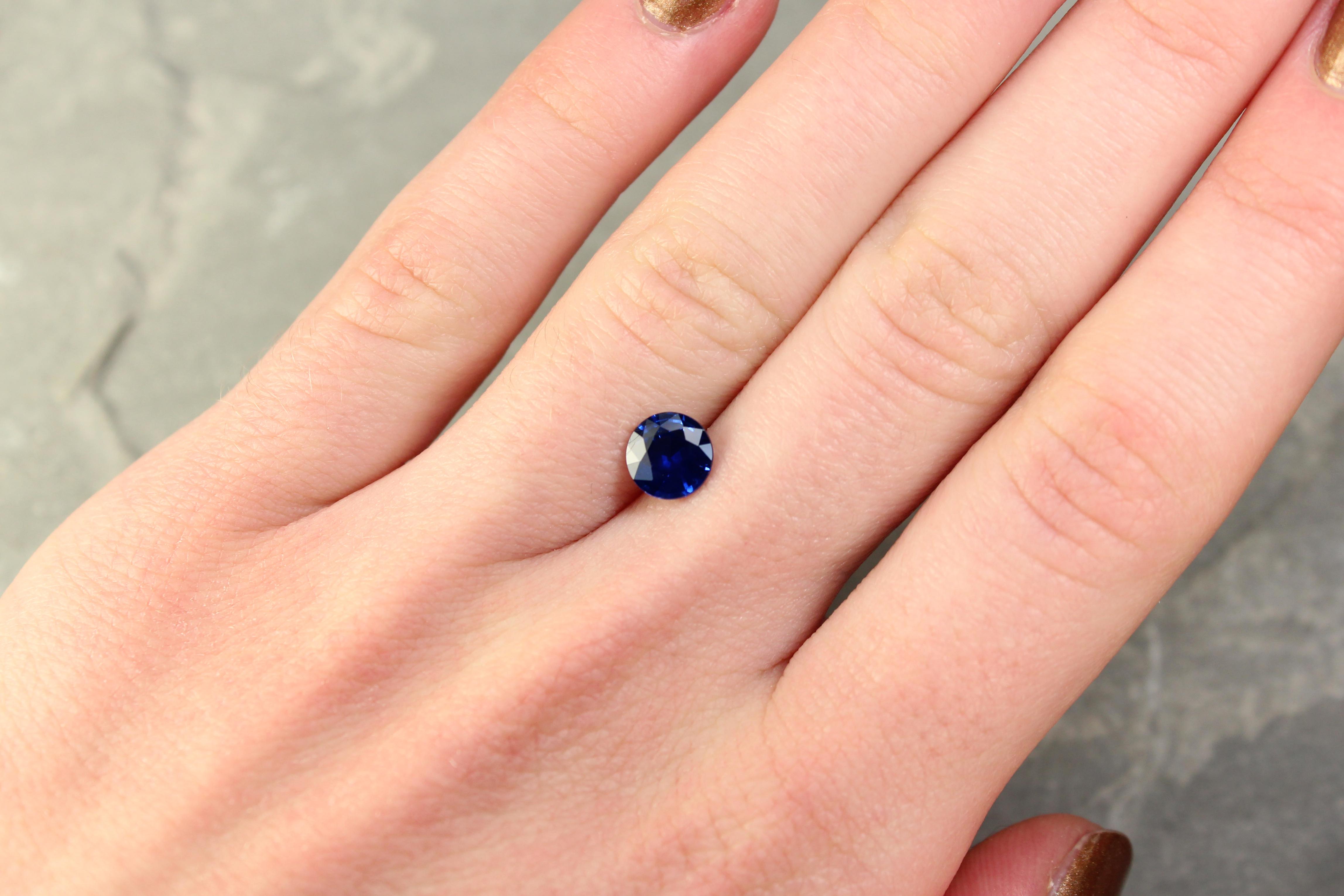 1.29 ct round blue sapphire