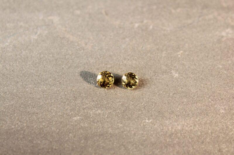 1.33 ct round yellow sapphire pair