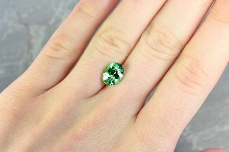 3.15 ct green oval tsavorite