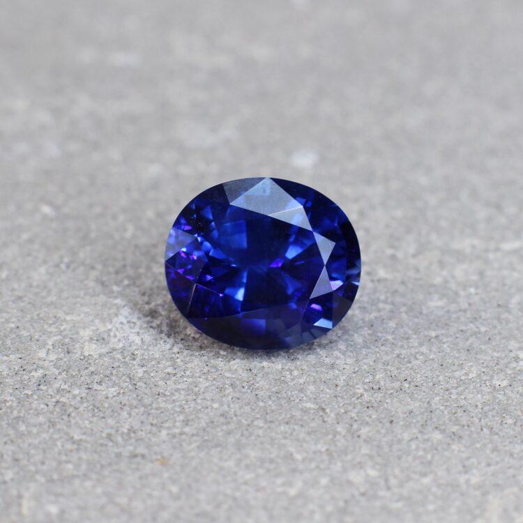 3.64 ct blue oval sapphire