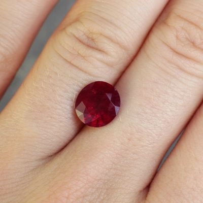 round red ruby Haruni Fine Gems