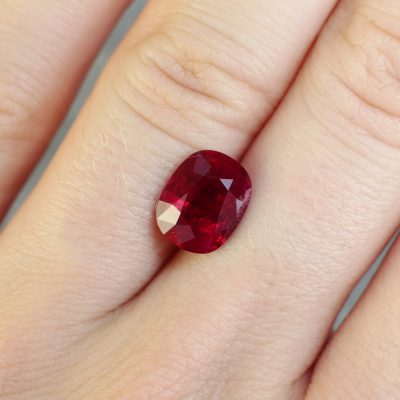 3.22 ct vivid red oval ruby