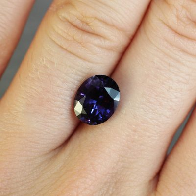 3.32 ct purple oval sapphire