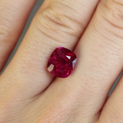 3.34 ct red ruby cushion