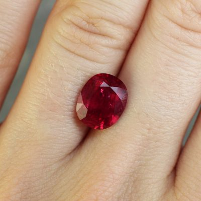 beautiful red ruby Haruni Fine Gems