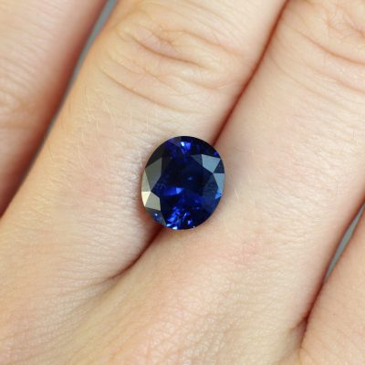 3.64 ct blue oval sapphire