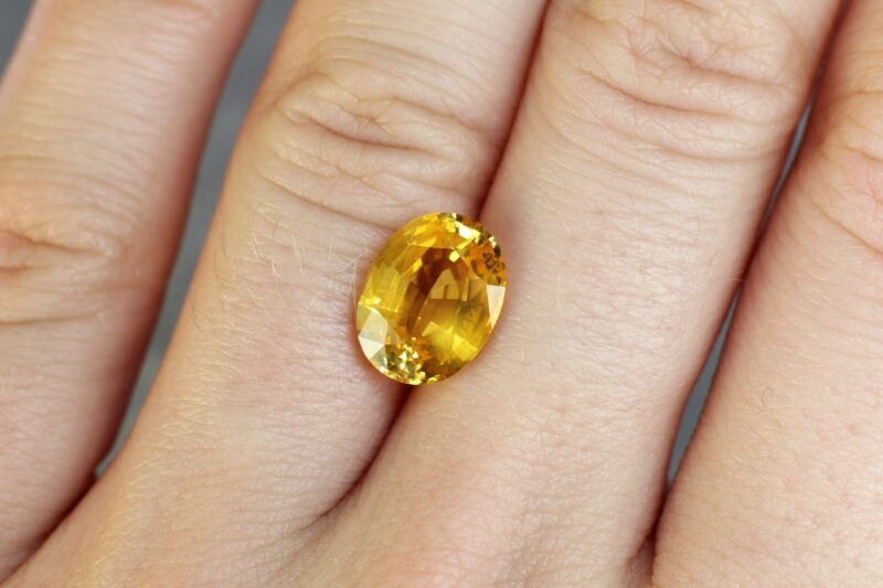 4.09 ct yellow oval sapphire