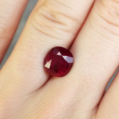 4.35 ct vivid red oval ruby