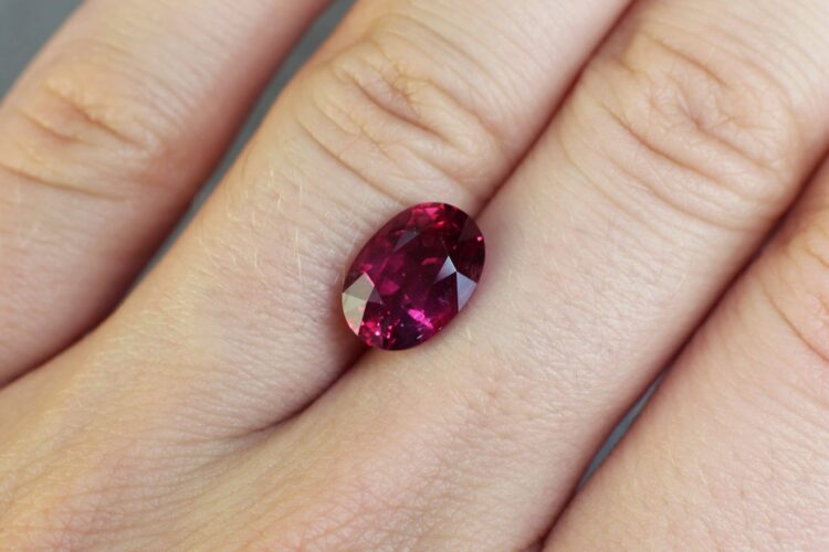 4.22 ct red oval ruby