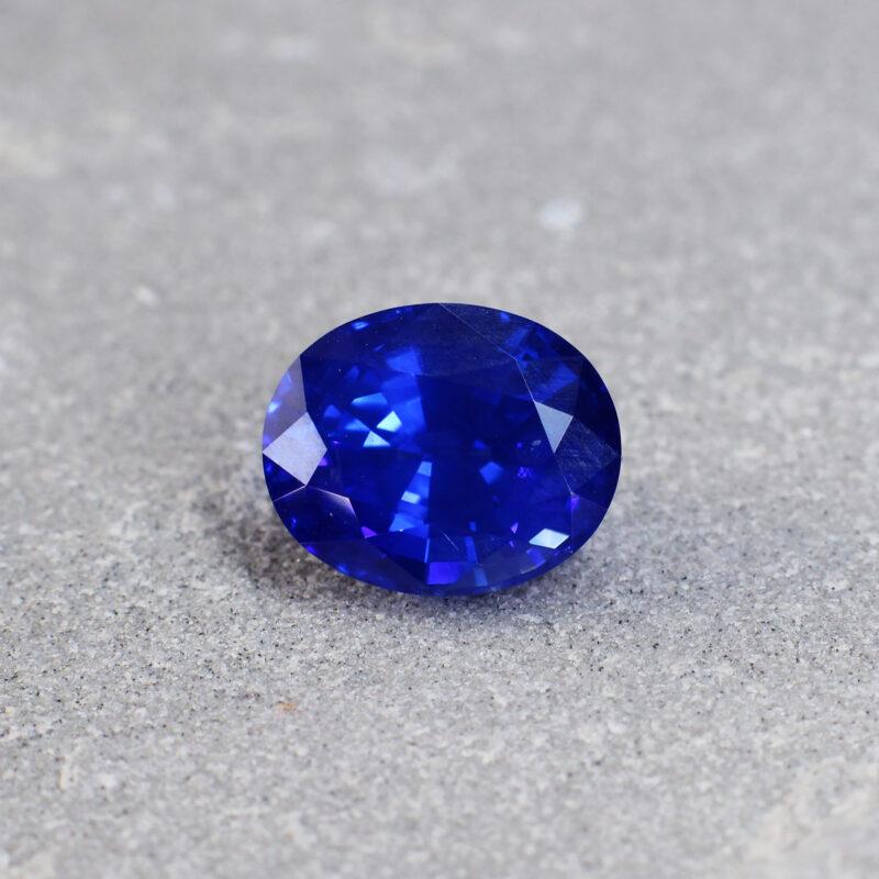 5.15 ct vivid blue oval sapphire