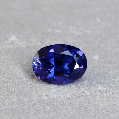 5.15 ct blue/violet oval sapphire