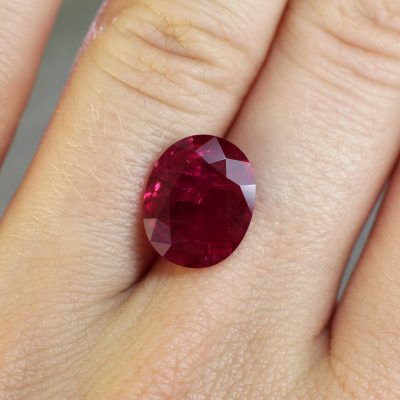 5.09 ct red oval ruby