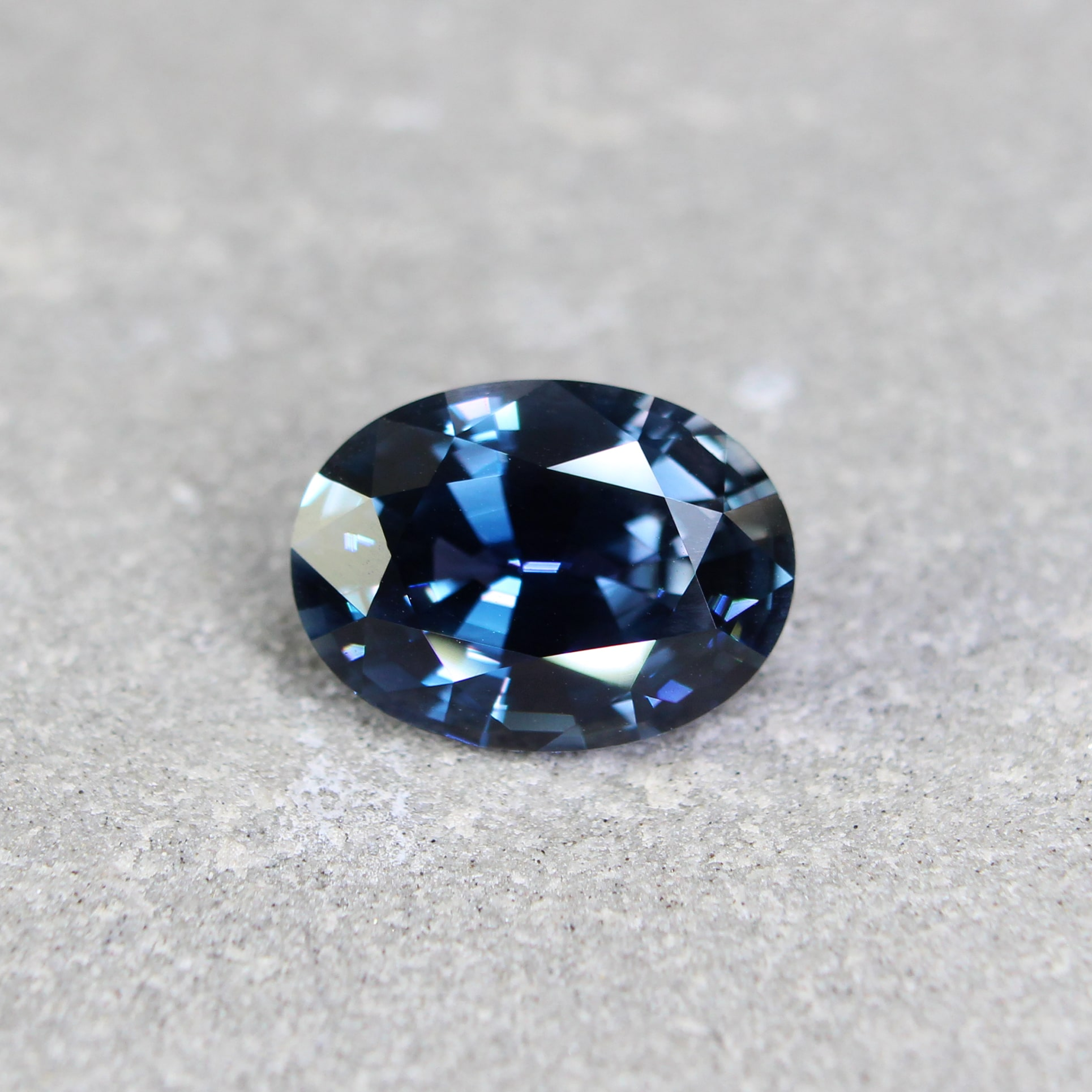 4.20 ct blue oval sapphire