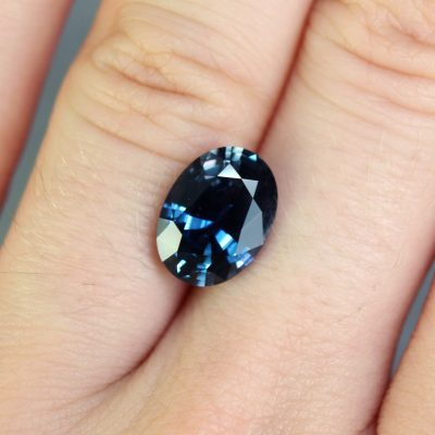 4.20 ct blue oval sapphire