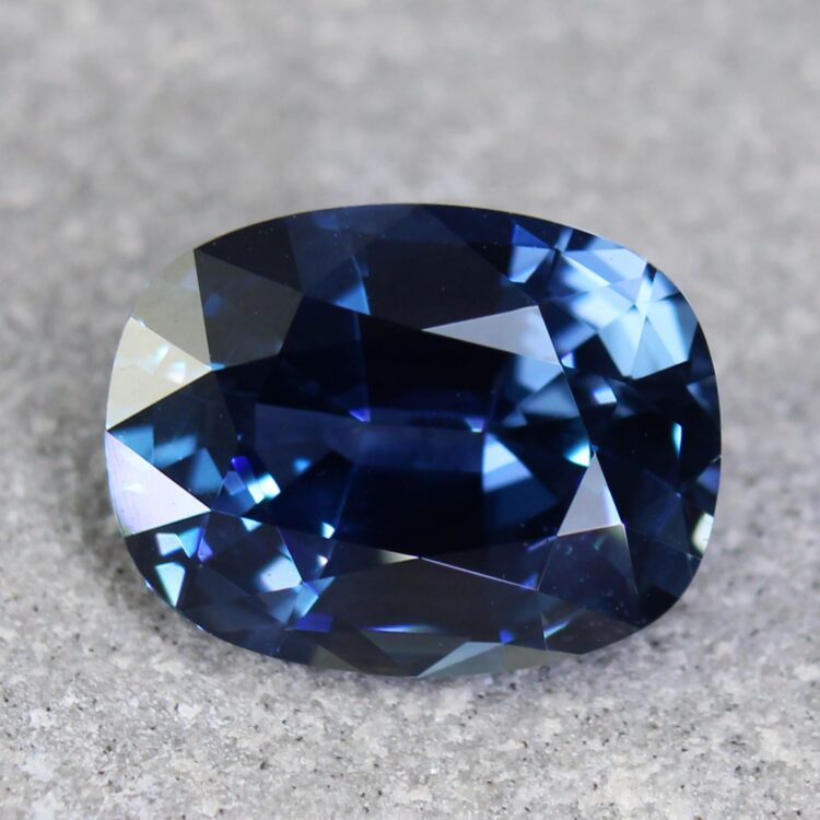 4.39 ct oval blue sapphire