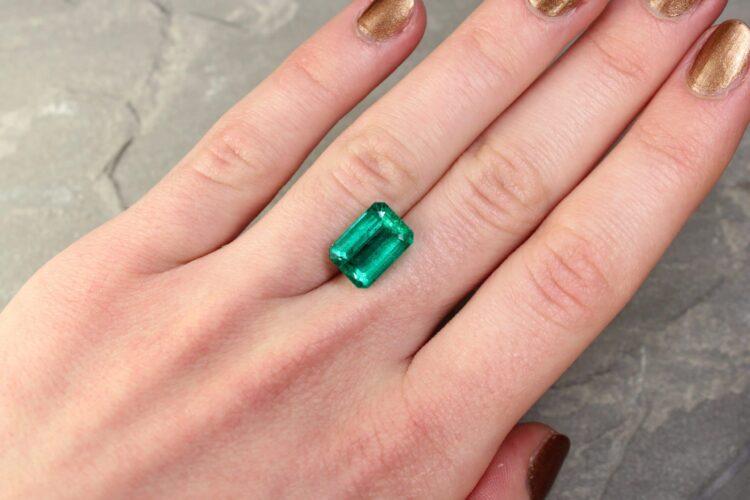 4.92 ct green octagon emerald