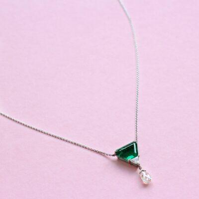 exquisite emerald and diamond platinum necklace