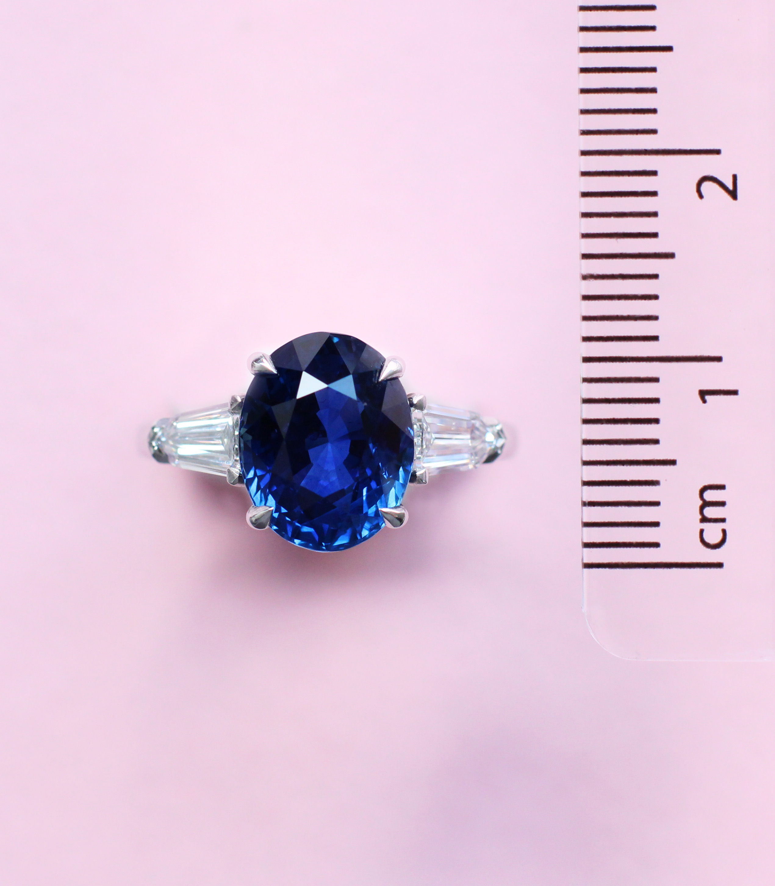 oval sapphire trilogy ring