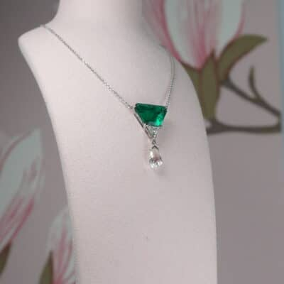 exquisite emerald and diamond platinum necklace